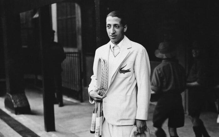 René Lacoste e il coccodrillo sul blazer